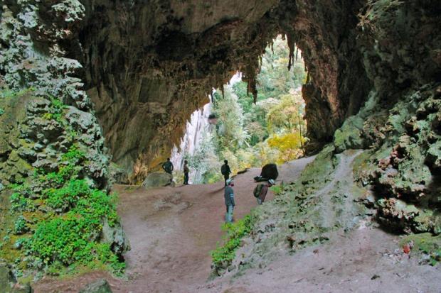 paisagem-caverna-teminina-a-bussola-quebrada
