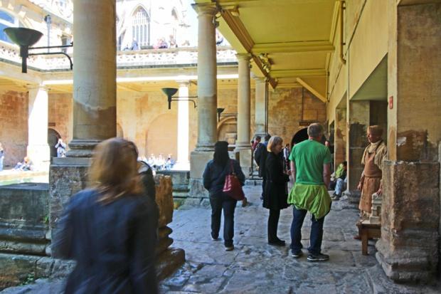 bath-cidade-romana-artesao-inglaterra-a-bussola-quebrada