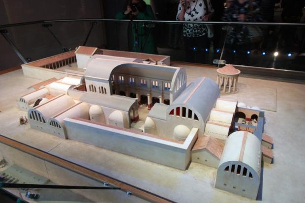bath-cidade-romana-maquete-inglaterra-a-bussola-quebrada