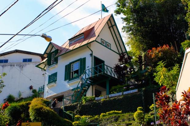 Lembra do Museu e Casa Santos Dumont, em Petrópolis? Estivemos lá e gostamos muito da visita!