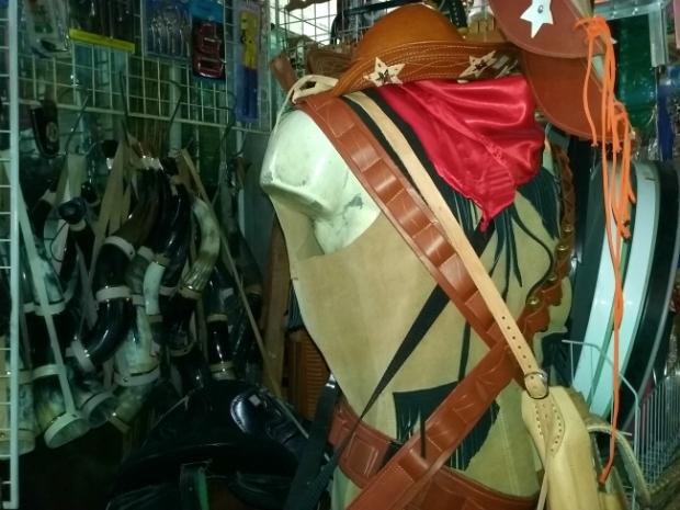 feira-de-sao-cristovao-roupas-a-bussola-quebrada