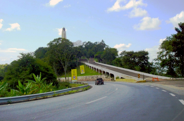 acesso-monumento-rodoviario-serra-das-araras-a-bussola-quebrada