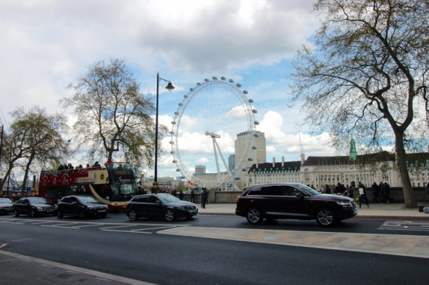 camara-municipal-de-londres-london-eye-a-bussola-quebrada