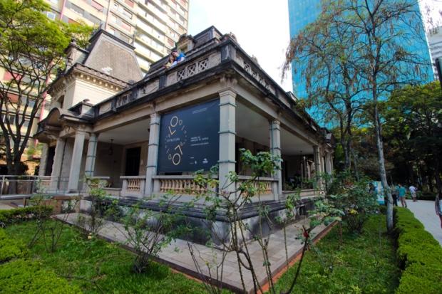 casa-das-rosas-avenida-paulista-a-bussola-quebrada