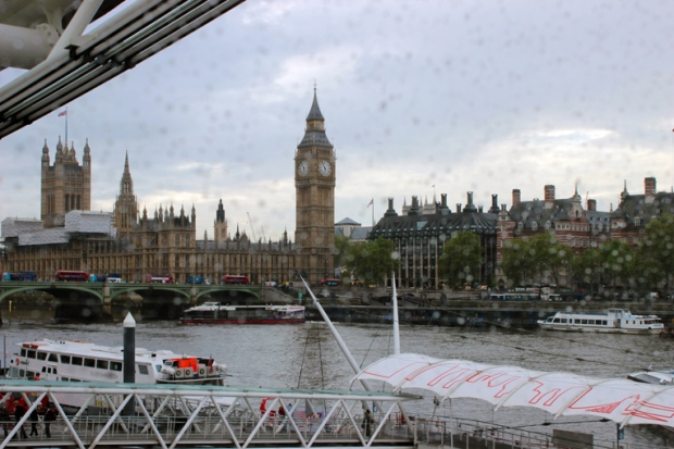 casas-do-parlamento-london-eye-a-bussola-quebrada