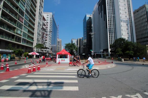 ciclovia-avenida-paulista-a-bussola-quebrada