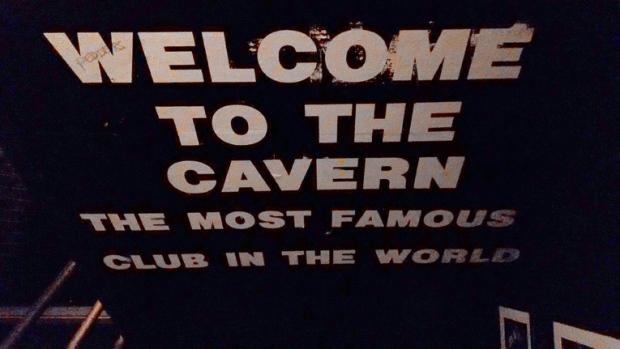 entrada-cavern-club-a-bussola-quebrada