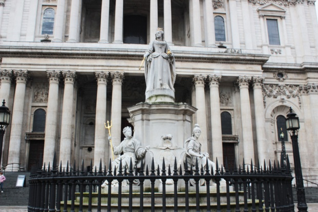 londres-rainha-anne-estatua-saint-paul-the-one