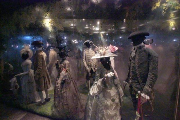 museu-de-londres-roupas-de-epoca-a-bussola-quebrada