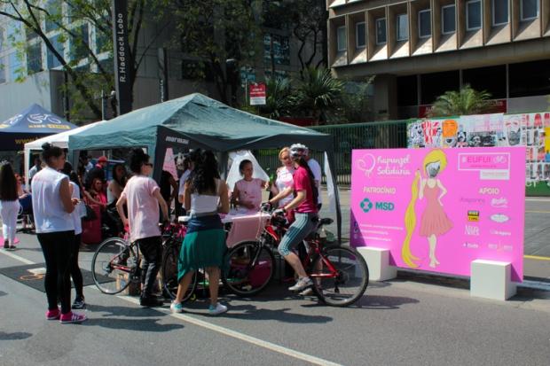 solidariedade-avenida-paulista-a-bussola-quebrada