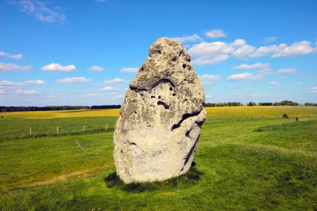 stonehenge-pedra-ponteira-a-bussola-quebrada
