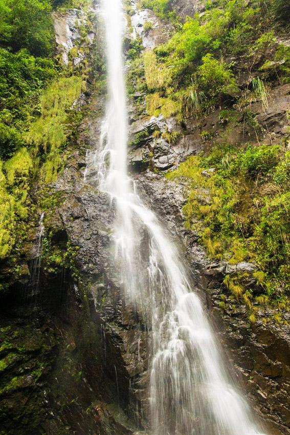 cachoeira-veu-de-noiva-canion-fortaleza-a-bussola-quebrada