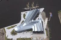 the-riverside-museum-a-bussola-quebrada
