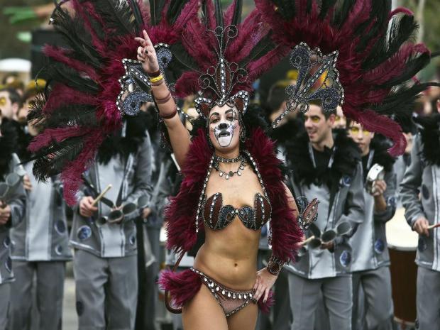 carnaval-ovar-a-bussola-quebrada