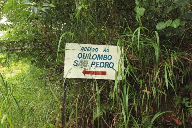 A primeira balsa que visitamos dá acesso ao Quilombo São Pedro.