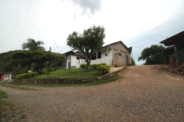 A primeira igreja do Quilombo de Ivaporunduva.