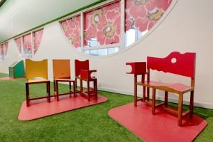 Essas cadeiras podem ser uma tortura. Sente-se e sinta-se como Frida Kahlo.