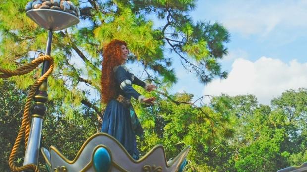 E como as princesas estão cada dia mais aventureiras, Valente, com seu carro temático.