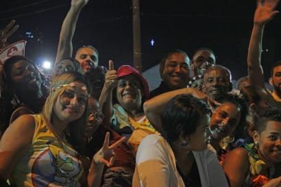 publico-do-carnaval-a-bussola-quebrada