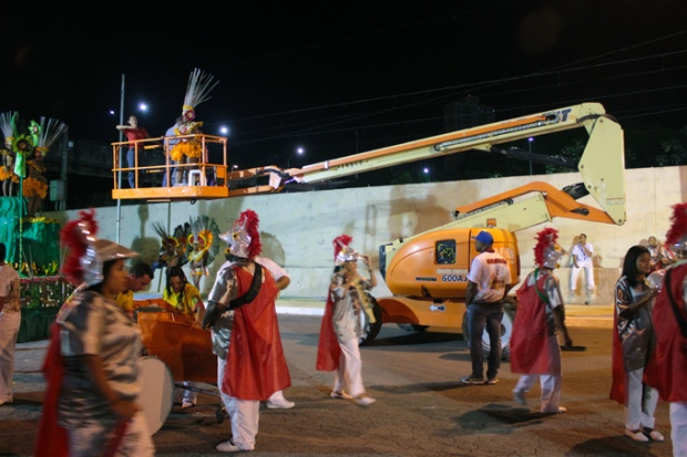 seguranca-carnaval-a-bussola-quebrada