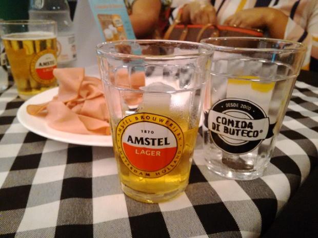 A cerveja oficial este ano é a Amstel.