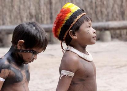 Curumim da tribo Kuikuro.