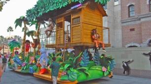 Dora Aventureira e sua casa de madeira.