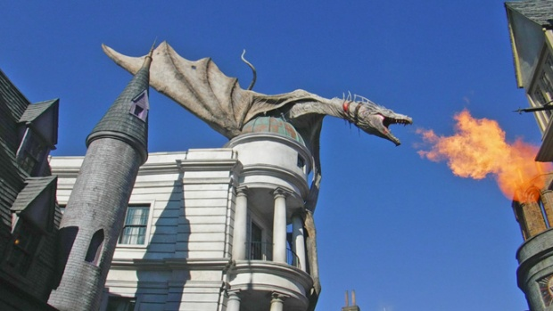 Leve as crianças para conhecer Harry Potter.