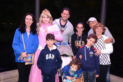 A Família Aventureira com a Aurora, a Bela Adormecida.