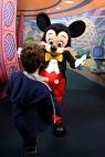 Olha quem vai ganhar um abraço do Mickey!