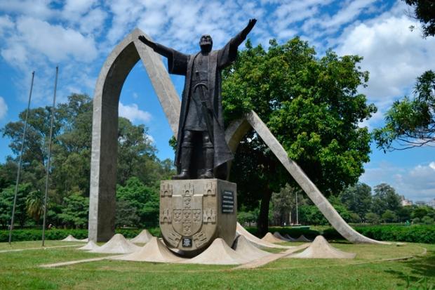 Estátua de Pedro Álvares Cabral no Parque do Ibirapuera.