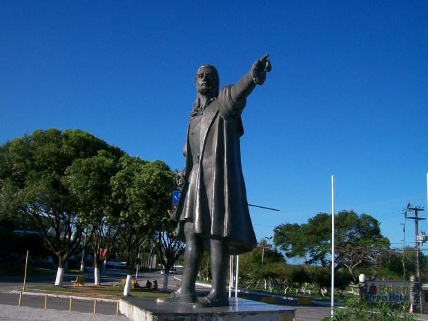 Estátua de Pedro Álvares Cabral em Porto Seguro, Bahia.