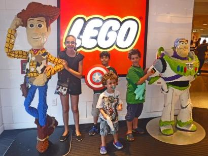 Uma atração inteira feita de Lego.