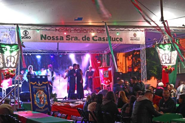 Abertura da Festa Italiana de Casaluce, sábado, 29 de abril. E vai até domingo, 28 de maio.