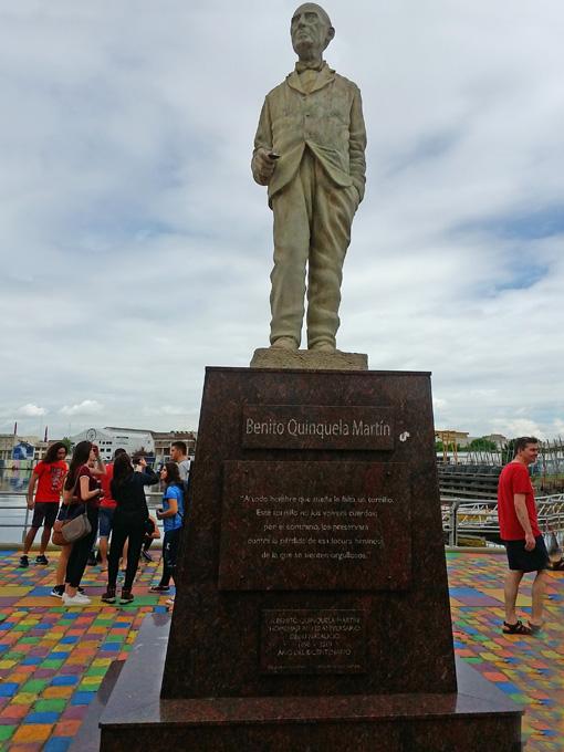 Estátua a Benito Quinquela Martín. O principal idealizador de El Caminito.
