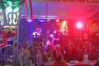 Dança, shows, comidas típicas e música.