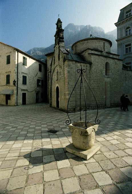 Igreja de São Lucas, Centro Velho de Kotor, Montenegro.