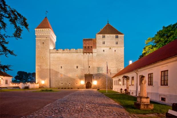 Kuressaare, na ilha Saaremaa, Estônia.