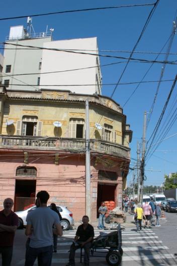 Os antigos prédios da rua Santa Rosa já foram dormitórios, escritórios e lojas de todos os tipos.