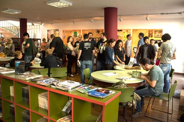 """Lançamento do livro """"O Monstro"""", na biblioteca Viriato Corrêa."""