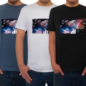 Invasores do espaço nas camisetas masculinas.