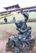 estatuas jardim zu lai mix aventuras