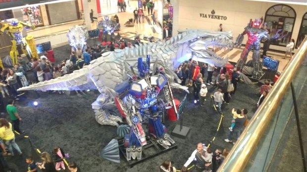 Dinossauros e robôs. O enorme sucesso de Transformers.