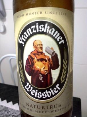 Uma alemã de trigo bem leve e frutada.