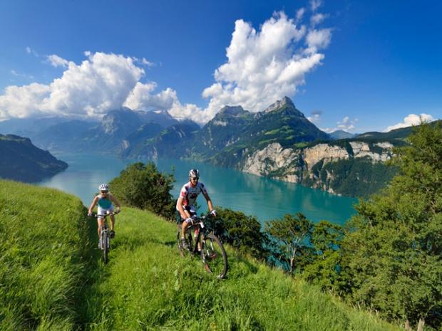 Imagine-se com sua bicicleta neste lugar tão lino!