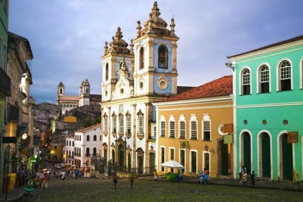 Salvador oferece uma população de 60% de solteiros e solteiras.