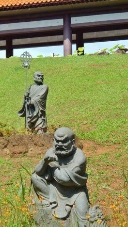 templo zu lai estatuas jardim mix aventuras
