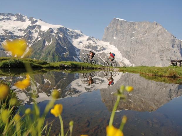 Com uma combinação de clima e paisagem a Suíça é perfeita pra Moutain Bike.