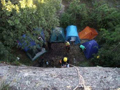 Acampar no Pico do Lopo. Só para os fortes.