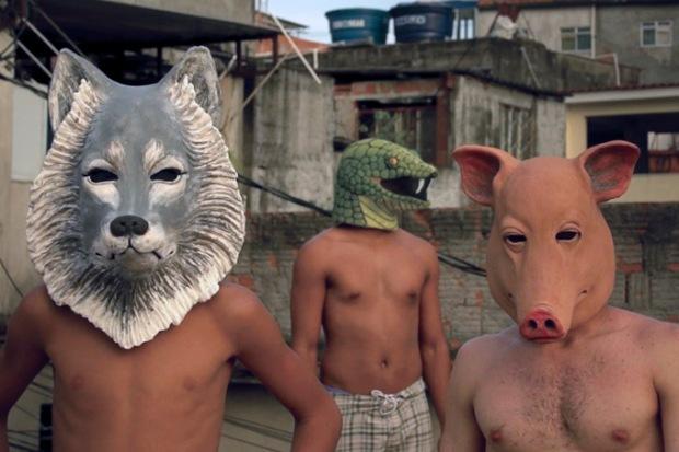 Cena do filme Contos da Maré.